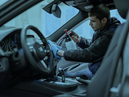 Fahrzeugaufbereitung Innenraum | IRS Group
