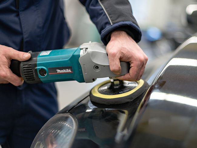 Fahrzeugaufbereitung Aussenreinigung | IRS Group